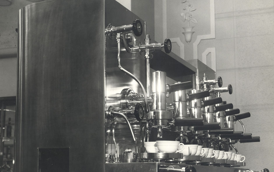 albadoro_cimbali_coffee_machine
